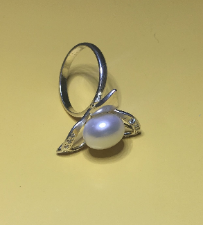Silver & Pearl Ring-MainImage