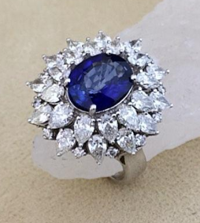 Tear and sapphire jewelry ring-MainImage