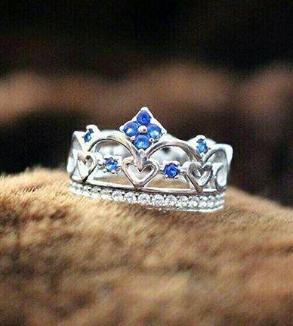 White Thumbnail Crown Design-MainImage